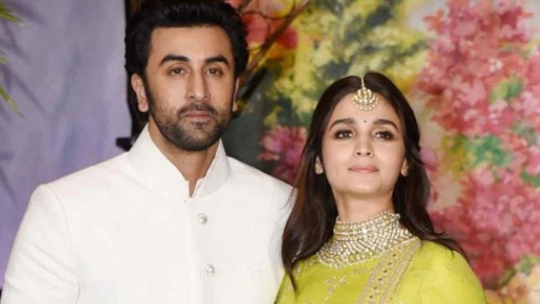 Did Ranbir Kapoor meet Mahesh Bhatt about his marriage?
