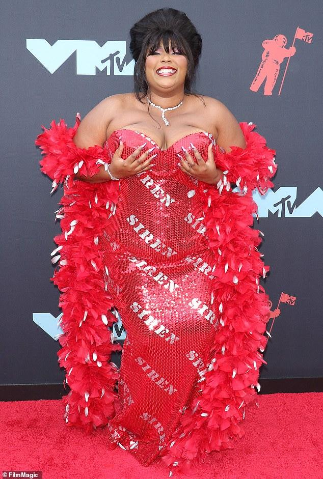 """""""Lizzo"""" revealed the acclaim he received from """"Rihanna."""" Also indicated possible """"collaboration"""" between the two !!!"""