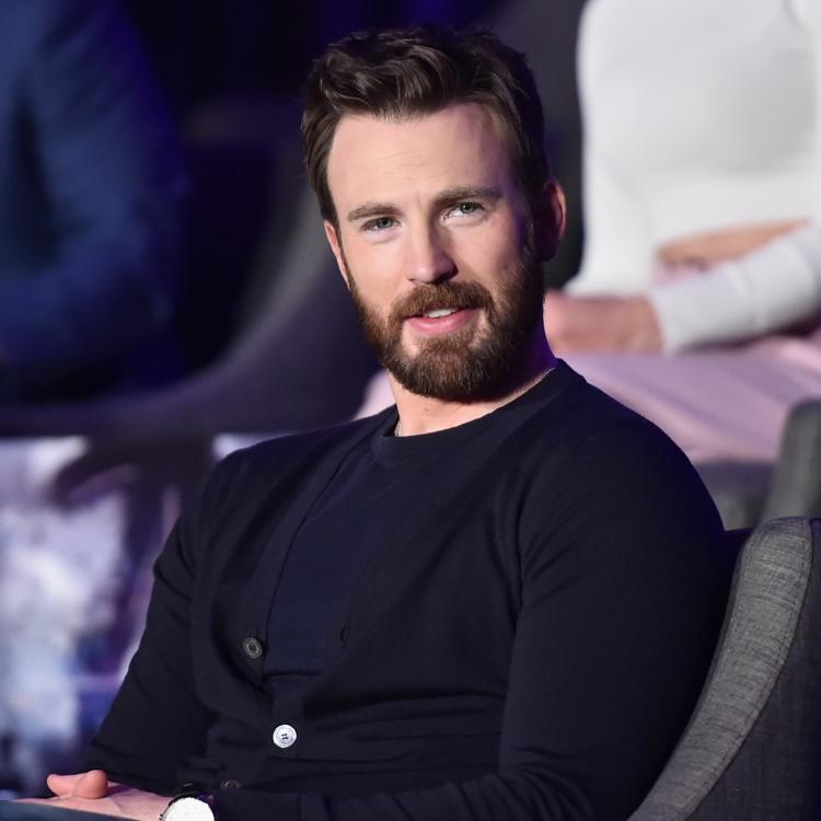 """Avenger Actor Captain America """"Chris Evans,"""" says the transition from the MCU to Rian Johnson's """"Knives Out"""" was pretty seamless"""