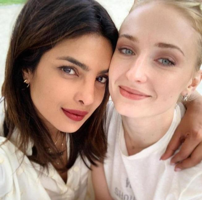 Sophie Turner and Priyanka Chopra were style twins in New York City with No-pants and Oversized Blazer!