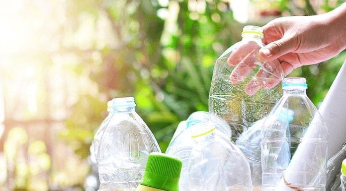 Why You Should Choose Eco-Friendly Bottles over the Plastic